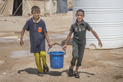 Hardship in the Desert_312 (EU Humanitarian Aid and Civil Protection) Tags: iraq fallujah anbar water nrc norwegianrefugeecouncil children desert