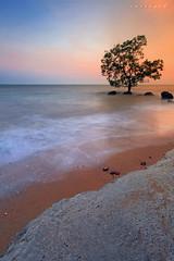 Simen bertemu laut jua akhirnya (SHAZRAL) Tags: longexposure seascape canon eos le malaysia hoya portdickson nd400 negerisembilan leefilters azralfikri shazral 5dmark2