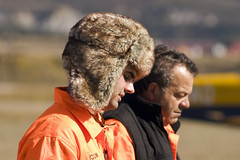 CFR1864 (Carlos F1) Tags: orange cold hat spain warm huesca aviation naranja frio copa jaca triangular vuelo aviacion leci mecanico acrobatico ctva
