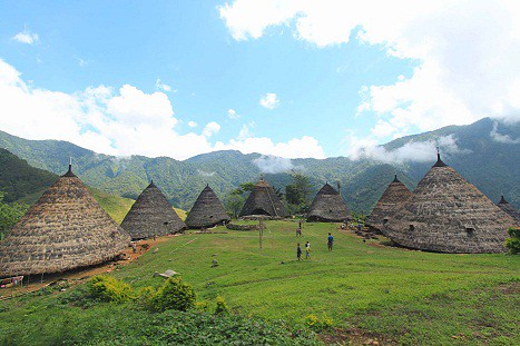 7 Wonder Houses of Indonesia