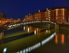 Jungfernbrcke / Explore (matt.koerner1) Tags: bridge night germany deutschland pentax nacht hamburg warehousedistrict matthias brcke hdr speicherstadt k7 krner sigma1020 jungfernbrcke mattkoerner1