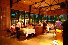 ร้านสเต็กอร่อย บรรยากาศดีในกรุงเทพ Wholly Cow [Steak Wine Cigar]