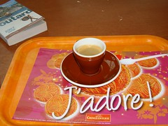 caf j'adore (Julie70 Joyoflife) Tags: france breakfast french experiments cafe cropped 2008 argenteuil frhstck shopingcenter petitdjeuner reggeli photojuliekertesz sonydscw200 julieargenteuil