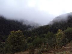 2012_Bihar_Lilla_227 (emzepe) Tags: morning cloud mist misty nap cloudy 21 foggy felh mystique 2012 humid kirnduls roumanie bihar els pra rumnien sz szeptember reggel judetul bihor tra hegyek bihari hegysg kds reggeli megye romnia erdlyi szigethegysg felszll dleltt kzphegysg prs rejtlyes karszthegysg rejtelmes feszll