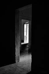 zig-zag (Mimmo Arnesano) Tags: light nikon doors ombra porte luce 2012 porteefinestre ilcorsaro totalphotoshop monteruga d3100 mimmoarnesano fotofucina