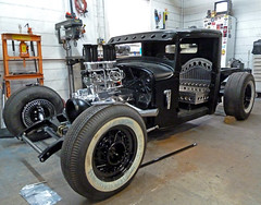 Thompson's Garage's Job - '32 Ford Pickup (J Wells S) Tags: ohio cincinnati hotrod streetrod deerpark 1932ford thompsonsgarage worldcars