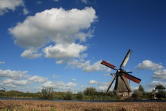 Dutchy... (J@N187) Tags: cloud mill dutch landscape kinderdijk alblasserwaard molen alblasserdam