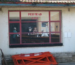 Grafitti on Swanage seafront #1 (streetr's_flickr) Tags: swanage dorset graffiti derelictbuilding pierheadcafe edwardhopper