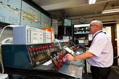 TfL Image - Edgware Road signalling cabin 8 (Transport for London Press Images) Tags: circleline controls districtline edgwareroad londonunderground operations points signal signalling tube
