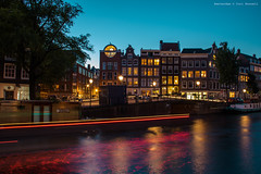 Nightfall on the Prinsengracht (farflungistan) Tags: amsterdamnight canon7d longexposure summer2016 amsterdam holland jordaan nederland netherlands nightphotos photowalk streetphotography prinsengracht bluehour