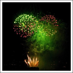 Green for go! (Paul.Y-D) Tags: 2016plymouthfireworkscompetition mountbatten devonport