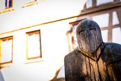 Skulptur (bollene57) Tags: blumen deutschland hirschhorn jahreszeit motorradtouren odenwald orte skulptur sommer