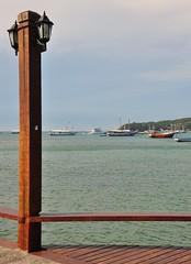 bfds proc (Ruby Ferreira ) Tags: bziosrj streetlamp barcos boats beach praia regiodoslagos