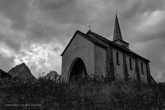 Chiesetta di Riale, Val Formazza (Riale church) (filippi antonio) Tags: riale valformazza italy italia piemonte chiesa church paesaggio landscape paesaggialpini montagne mountain alpi nuvole clouds cielo sky biancoenero blackandwhite hdr