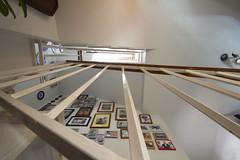 "No sabía que era tan alta  - ""Reto Desde abajo"" (Micheo) Tags: ""retodesdeabajo elblogdelfotografo stairs steps escaleras alto high huecodeescaleras baranda fotos"