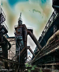Snake tower (ericbaygon) Tags: tour tower vlklingen saarbrucken germany allemagne d300s nikon nikonpassion industrial industrie industriel siderurgy siderurgie usine factory plant abandoned abandonn rusty rouille rust tuyau pipes