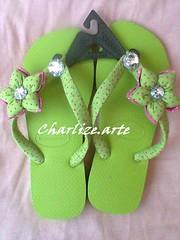 verde2 (Nina.artes) Tags: flores havaianas fuxico chinelos tecido personalizados