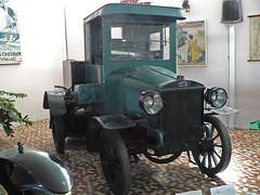Laffly LC2,  a municipal sprinkler  1912 (Le Photiste) Tags: lc cl hotchkiss laffly