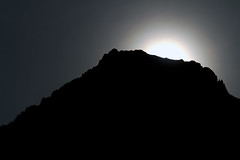 Contre Lune des Alpages (Yoggibat) Tags: moon mountain backlight montagne lune sigma 70200 contre backlighting sigma70200mmf28exdg