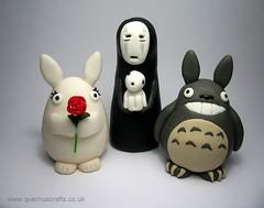 The Totoro Wedding Party (Quernus Crafts) Tags: cute polymerclay totoro noface spiritedaway studioghibli weddingcouple woodspirit weddingtopper quernuscrafts