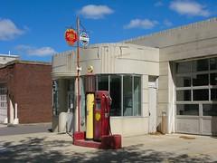 Retzlaff Motors (altfelix11) Tags: minnesota broadway moderne gasstation servicestation newulm artmoderne streamlinemoderne caststone retzlaffmotors browncountyhistoricalmuseumannex