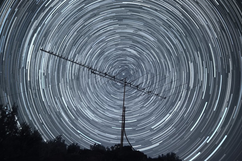 "Created with the <a href=""http://registry.gimp.org/node/25638"" rel=""nofollow"">Startrails V2.0 plugin for GIMP</a>"