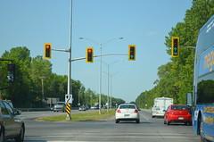 DSC_0832 (I.C. Ligget) Tags: road ca light signs ontario canada sign 30 lights traffic quebec a520 signals qubec 40 autoroute 20 signal qc 520 540 a40 a20 dorion a30 lle perrot lile vaudreuil vaudreuildorion a540 lleperrot