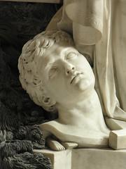 cathdrale de Sens (Stef en ballade) Tags: dauphin mausolee monumentfunraire guillaumecoustou cathedraledesens parentsdelouisxvi