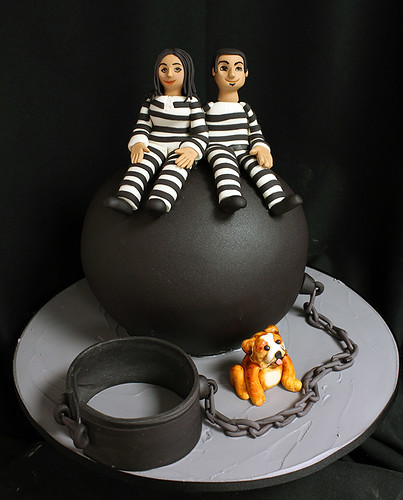 Ball and Chain Grooms Cake