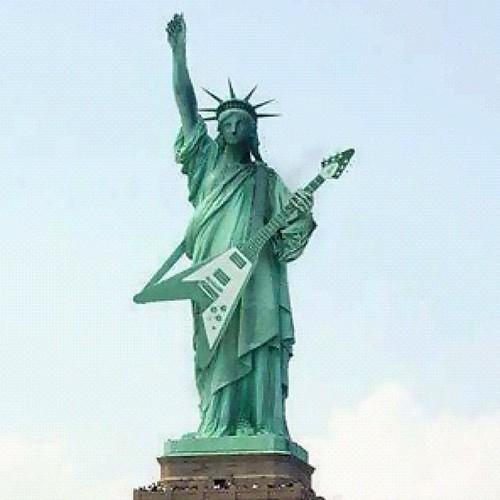 تمثال الحرية يعزف لحن انتخابات الرئاسة
