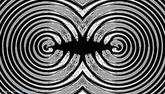rayas (ojoadicto) Tags: blackandwhite blancoynegro monochrome abstract abstracto digitalmanipulation manipulaciondefotos circles circulos