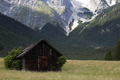 Shed without the Name (czerwiony Smãtk) Tags: mountains cottage tirol tyrol österreich austria europa europe gschwent meadow rocks tree forest outdoor bush shadow canoneos6d canonef70200f4l