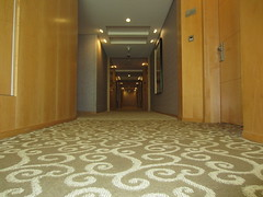 IMG_2269.JPG (as098_uk) Tags: dubai unitedarabemirates shangrila 3217 room3217 hotel corridor hallway