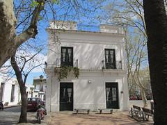 """Colonia del Sacramento: le quartier historique <a style=""""margin-left:10px; font-size:0.8em;"""" href=""""http://www.flickr.com/photos/127723101@N04/29669956396/"""" target=""""_blank"""">@flickr</a>"""