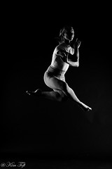 Jumping (Toftus Photography) Tags: dans danse dance dancer dancing ballet beauty beautiful fotostudio photostudio studio male man herre jump jumping hop bw blackandwhite