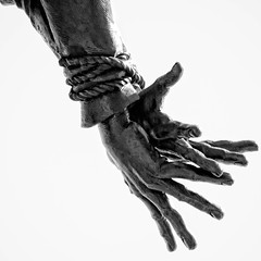 Katy Memorial Hands (igzabeher) Tags: sculpture newjersey andrzejpitynski statue monument soldier katymemorial jerseycity memorial boundhands blackandwhitephotography