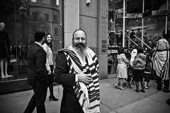 at least you got a jewish name (josefcramer.com) Tags: street leica people urban usa chicago ford 35mm river rouge photography town photo industrial foto general decay michigan strasse detroit streetphotography 9 chitown rangefinder menschen m motors explore summicron chi josef change streetphoto 24mm economic crisis cramer reise m9 illinoise chicagoist elmarit strase messsucher strassenfotografie strasenfotografie strassenfoto stphotographia strassenphoto strassenphotographie