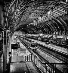 Paddington Railway Station, London (Gareth L Evans) Tags: station train iron victorian engineering industrialrevolution paddington ironwork brunel gwr isambardkingdombrunel greatwestern