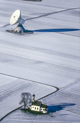 Contact heaven (Aerial Photography) Tags: schnee winter white snow church by kirche chapel wm aerial antenne antenna luftbild kapelle raisting luftaufnahme obb weis erdfunkstelle 17011995 040502214
