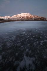 (del drago) Tags: winter italy mountain snow ice italia berge neve inverno montagna umbria cima monti appennino norcia ghiaccio piana castelluccio appennini sibillini vettore parconazionale redentore