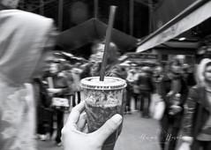 Frappé de Fresa en Barcelona... (Angie Ravelo Photography) Tags: barcelona people urban blackandwhite blancoynegro nikon streetphotography apieceofme ©angieraveloart
