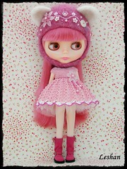 For Sandra Efignio (Leshan1) Tags: hat doll dress crochet blythe leshan kittyhelmet rbl feltedhat dolldress blythedress dollcrochet blythecrochet snowflakesonata leshancrochet