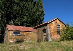 North Facing (Tones Corner) Tags: cottage scenic scene oldbuilding otagonz nzscene ruralnz otematata rusticbuilding