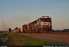 Enjoying the sunset... (Marco Stellini) Tags: ohio ns norfolk southern swanton emd sd60m