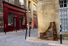 Corner Piano (PM Kelly) Tags: street bordeaux france photography corner abandon cobblestone red piano x70 travel