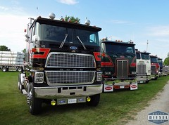 Classic Cabover Trucks (Daily Diesel Dose) Tags: cabover fordcl9000
