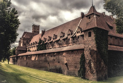 Home of the Teutonic Order (VandenBerge Photography) Tags: malbork teutonicorder poland canon castle malborkcastle marienburg europe historical ancient unescoworldheritage clouds travel medieval pommern