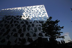 20150704-011F (m-klueber.de) Tags: 20150704011f 20150704 2015 mkbildkatalog norwegen norge norway oslo barcode project deloitte building
