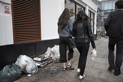 20160922T12-33-21Z-DSCF4038 (fitzrovialitter) Tags: geotagged fitzrovia fitzrovialitter paddington camden westminster rubbish litter dumping flytipping trash garbage london urban street environment streetphotography westend peterfoster documentary fuji x70 fujifilm gpicsync captureone england unitedkingdom