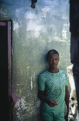 Islote Santa Cruz, Colombia (RoryO'Bryen) Tags: islotesantacruz colombia caribbean caribbeancoast roryobryen rangefinder portrait retrato people gente copyrightroryobryen velvia fujivelvia50 leicamp 35mmsummiluxmasph leicasummiluxm35mmf14asph